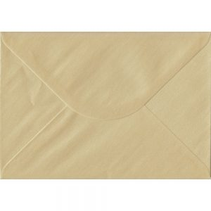 100 C5/A5 Champagne Envelopes. Pearl Champagne. 162mm x 229mm. 100gsm paper. Extra Value MultiPack.
