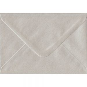 100 C6/A6 Pearlescent Oyster Envelopes. 114mm x 162mm. 100gsm paper. Extra Value MultiPack.