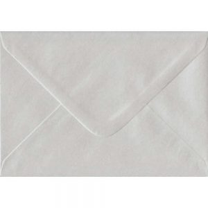 White Pearl 114mm x 162mm 100gsm Gummed C6/Quarter A4 Sized Envelope